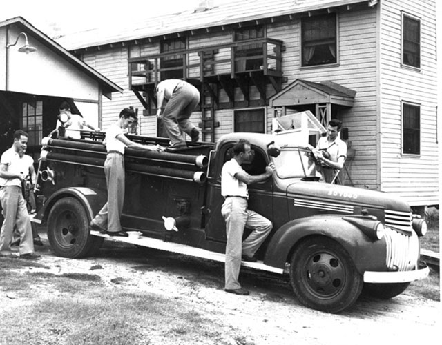 Flavet-Village-III-fire-truck-on-the-University-of-Florida-campus
